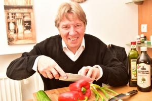 Norbert mit Kochmesser